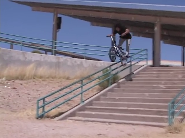 Lahsaan Kobza – Casual BMX Edit